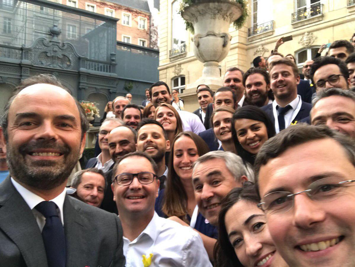 Ludovic de Carcouët, dirigeant de Digitemis ainsi que le Premier ministre Edouard Philippe et les lauréats du Pass French Tech 2017